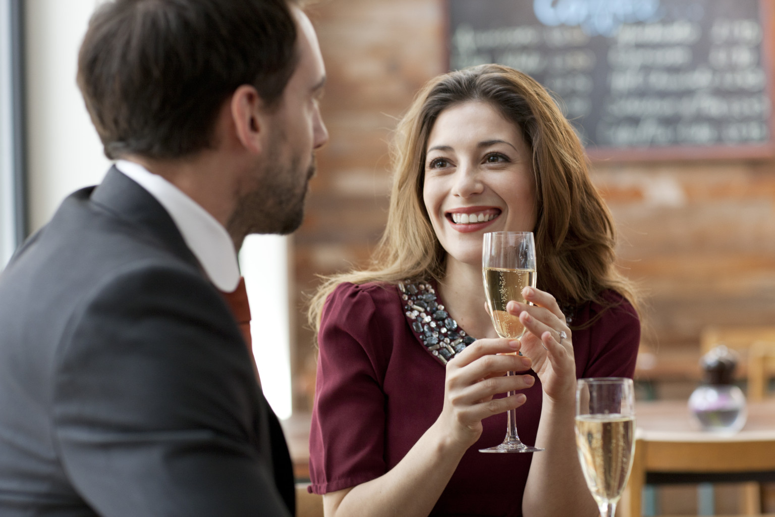 Make First Impressions While Dating with Women